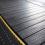 Aluminum core anti-slip rubber slats | Cascade Ultra Runner Plus Treadmill